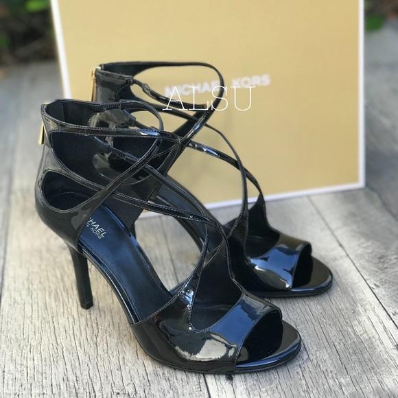 489b831e5b4 NWT Michael Kors Chantelle Sandal Patent Black W NWT